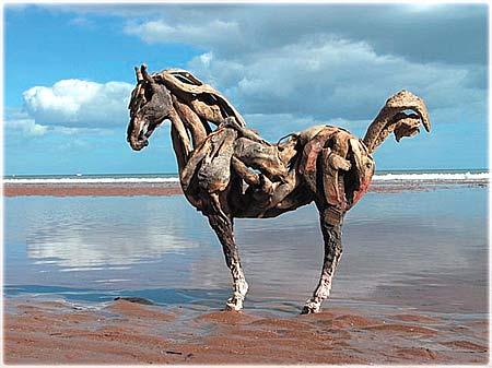HEATHER JANSCH sculptures-chevaux en bois flotté