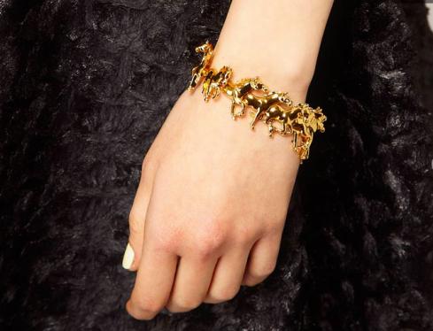 bracelet, bijoux équestre : Bill Skinner - Bracelet à motifs chevaux