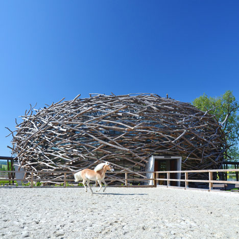 Stork Nest Farm by SGL Projekt inShare16